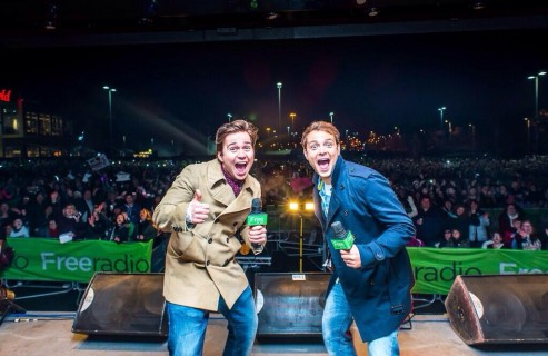 Sam & Mark - Xmas Lights Switch On
